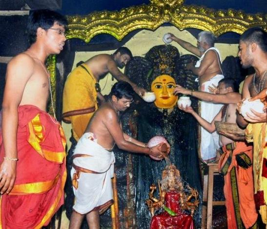 Kohinoor Diamond was originally left eye of Godess Bhadrakali-Stolen